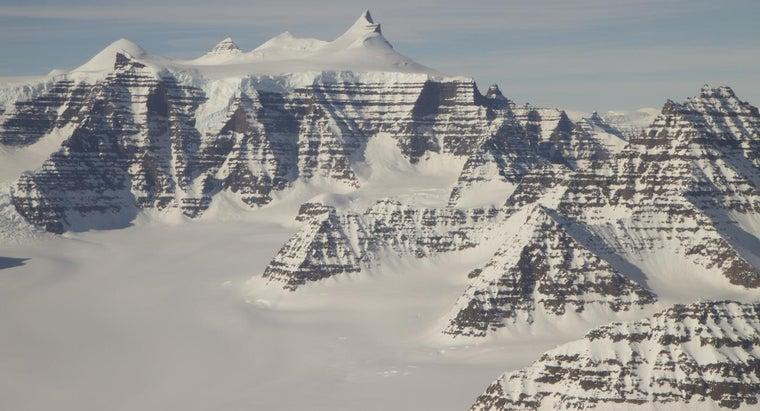 people-live-antarctica