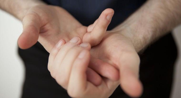 people-split-fingernails
