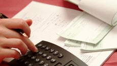 What Percentage of a Paycheck Goes to Taxes?