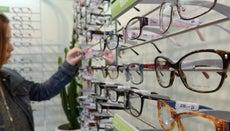 How Do You Pick Eyeglass Frames?