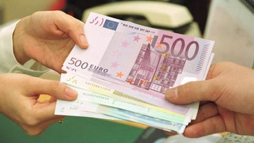 Where Is the Best Place to Buy Commission-Free Euros?