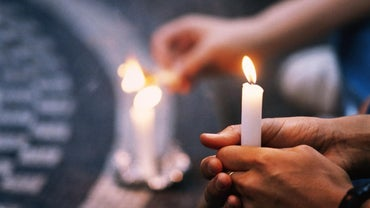How Do You Plan a Candlelight Vigil?