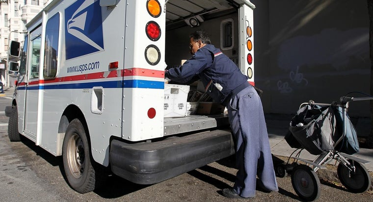 postal-workers-federal-employees