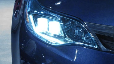 How Do You Properly Adjust Your Vehicle's Headlights?