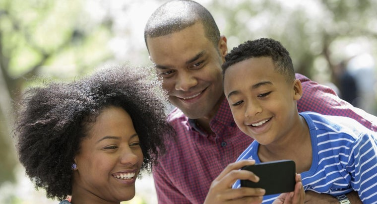 pros-cons-family-cellphone-plan-offered-verizon