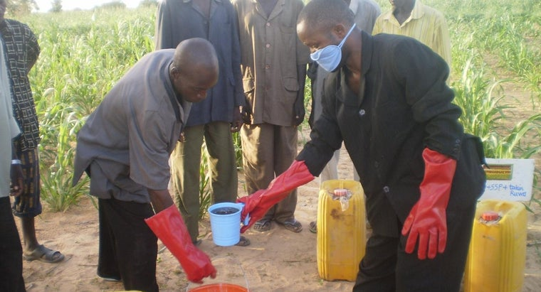 pros-cons-using-fertilizer