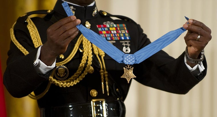 receive-congressional-medal-honor