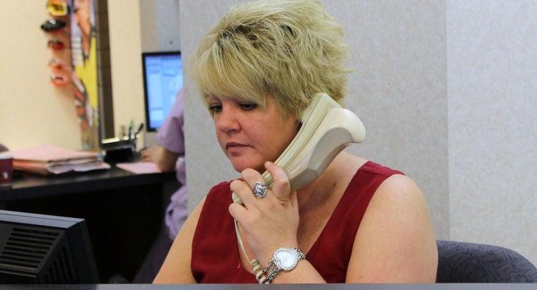 receptionist-answer-phone