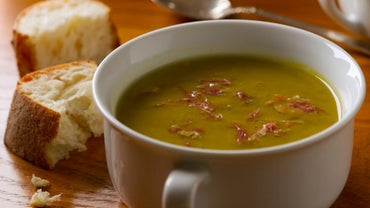 What Is a Recipe for Pea and Ham Soup Using a Slow Cooker?