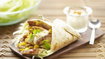 What Are Some Recipes for Chicken Wraps With Cream Cheese?