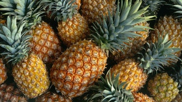 What Are Some Recipes for Making a Drink With Pineapple and Rum?