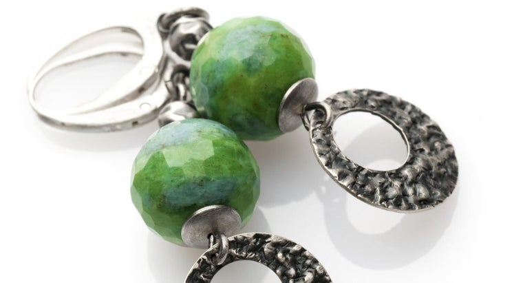 remove-earring-ball