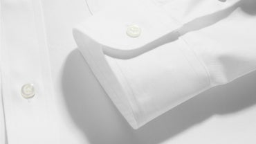How Do I Remove Starch From Clothing?