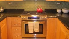 How Do You Replace the Ignitor in an Oven?
