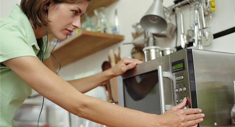 replace-light-bulb-microwave-oven