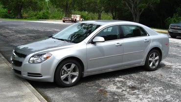 How Do You Replace the Transmission on a Chevrolet Malibu?