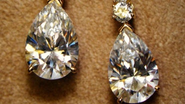 What Is the Right Way to Clean Diamond Earrings?