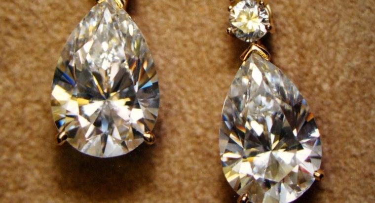 right-way-clean-diamond-earrings