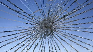 What Is the Right Way to Fix Cracked Glass?
