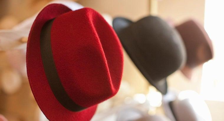 rude-wear-hat-indoors