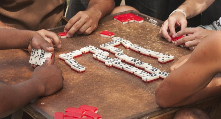 rules-mexican-train-dominoes