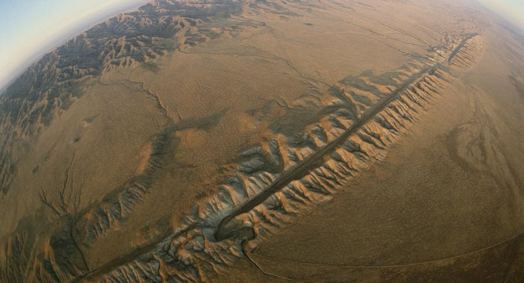 type-plate-boundary-san-andreas-fault-exemplify