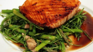 What Sauce Goes With Salmon?