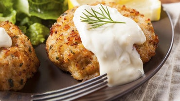 What Sauce Do You Use on Crab Cakes?