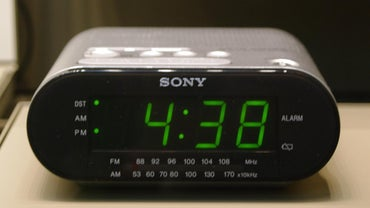 How Do You Set a Sony Dream Machine Alarm Clock?