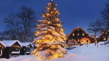 How Do You Set up a Christmas Village?
