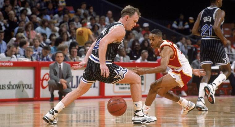 shortest-nba-player-dunk