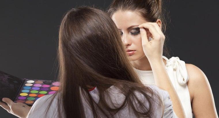 should-apply-makeup-photos