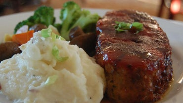 What Should the Internal Temperature of Meatloaf Be Before You Serve It?