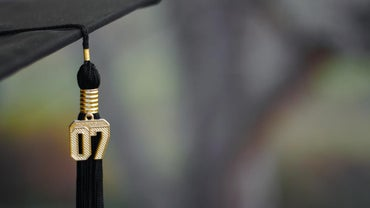 Where Should a Tassel Be Placed for Graduation?