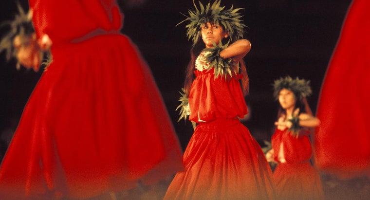 should-wear-luau-hawaiian-themed-party