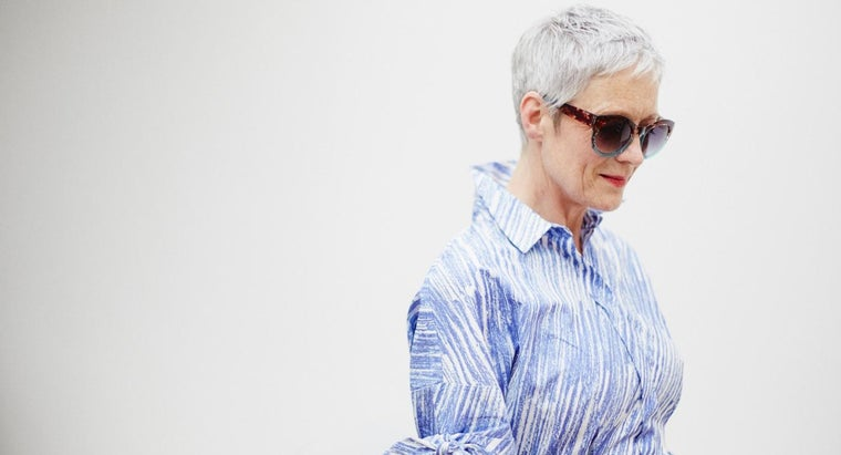 should-women-over-40-look-fashion
