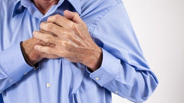 Does Simultaneous Chest and Back Pain Indicate a Heart Attack?