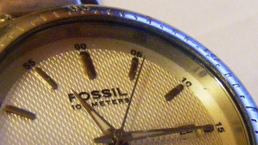 What Size Battery Is in a Fossil Watch?