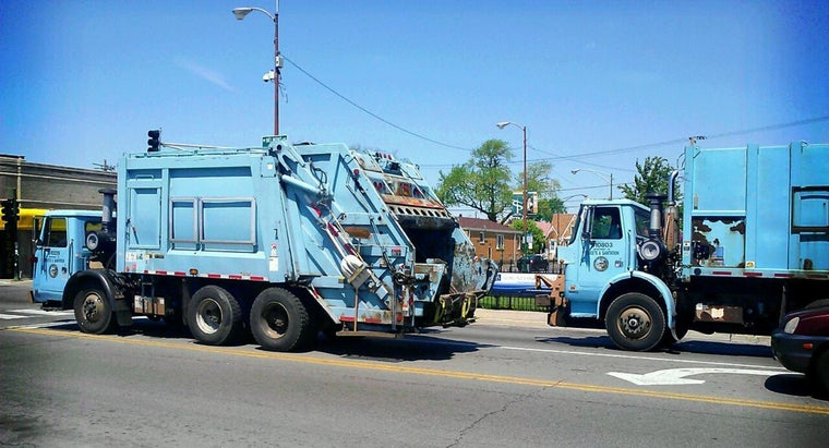 size-typical-garbage-truck