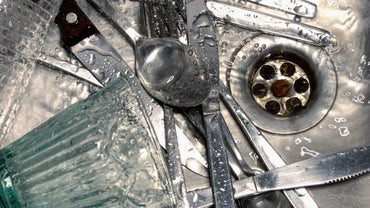 What Causes a Smelly Kitchen Drain?