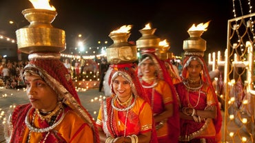 What Special Clothing Is Traditionally Worn for Diwali?