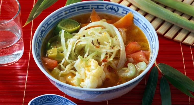 spices-complement-vegetable-cabbage-soup