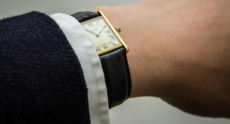 spot-fake-cartier-watch