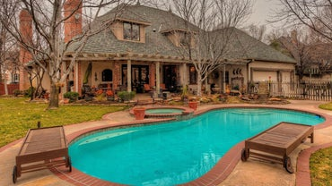 What Are Standard in-Ground Pool Sizes?