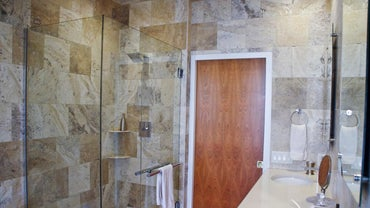 What Are the Standard Shower Stall Dimensions for a Residential Home?