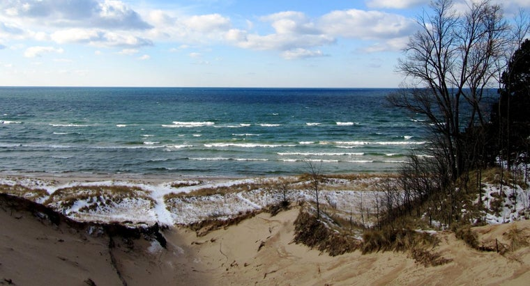 states-border-lake-michigan