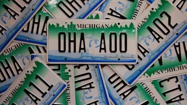 What States Border Michigan?