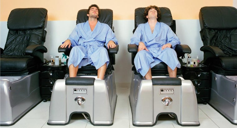 steps-pedicure-man