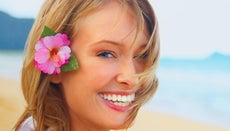 Which Side Should a Woman Wear a Hawaiian Flower in Her Hair?