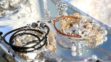 What Stores Carry Pandora Bracelets?